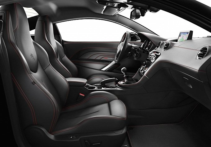 Peugeot RCZ Red Carbon Special Edition interiors
