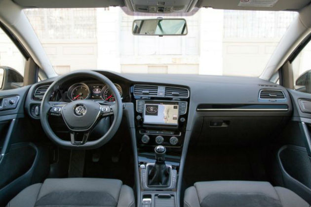 VW Golf SportWagen Interior