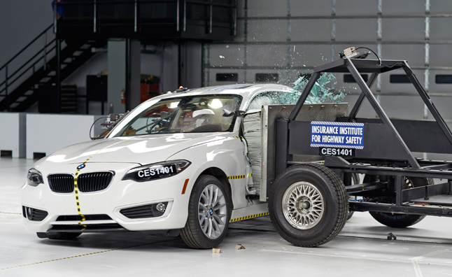 2014 BMW 2-Series Earns Top Safety Pick Plus