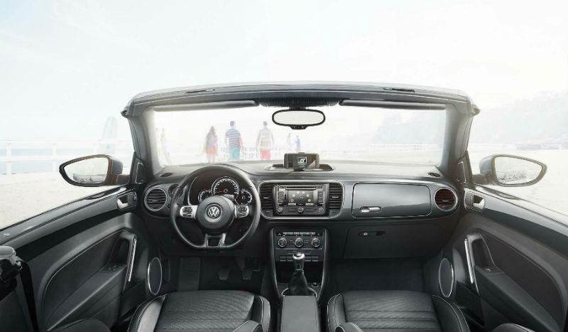 2014 Volkswagen Beetle interiors