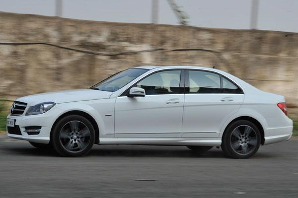 Mercedes, Carzonrent Launch Self-Drive Luxury Car Rental Service In India