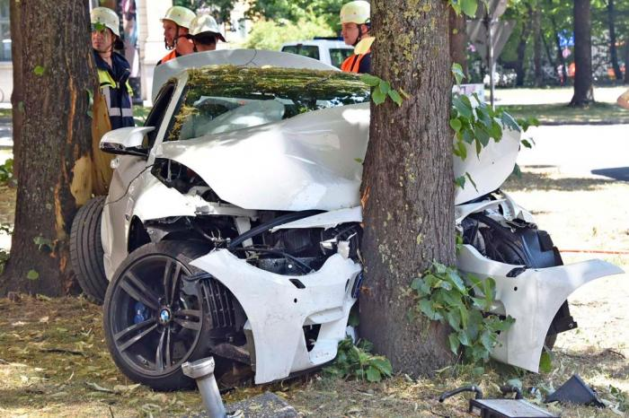 New BMW M4 Crashed in Germany