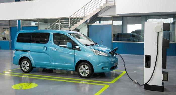 Nissan all-electric Evalia e-NV200 Unveiled