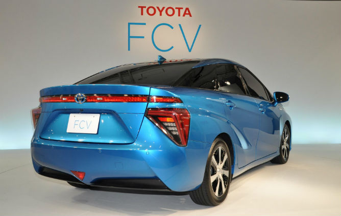 Toyota's Fuel Cell Back View