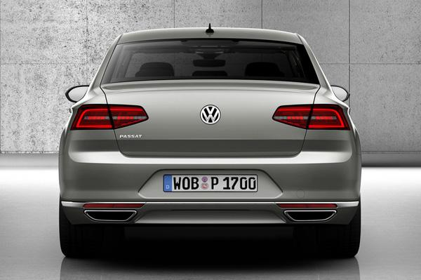 2015 New Volkswagen Passat Back View