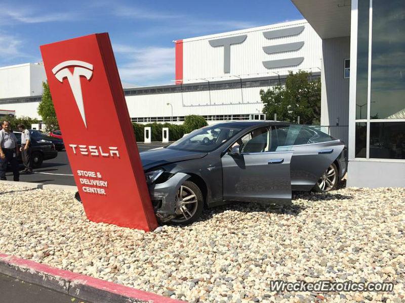 Brand New Tesla Model S Crashes Before Leaving Dealership
