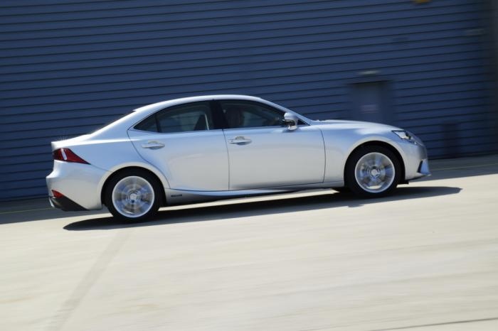 Lexus IS 300h Executive Edition Launched in UK