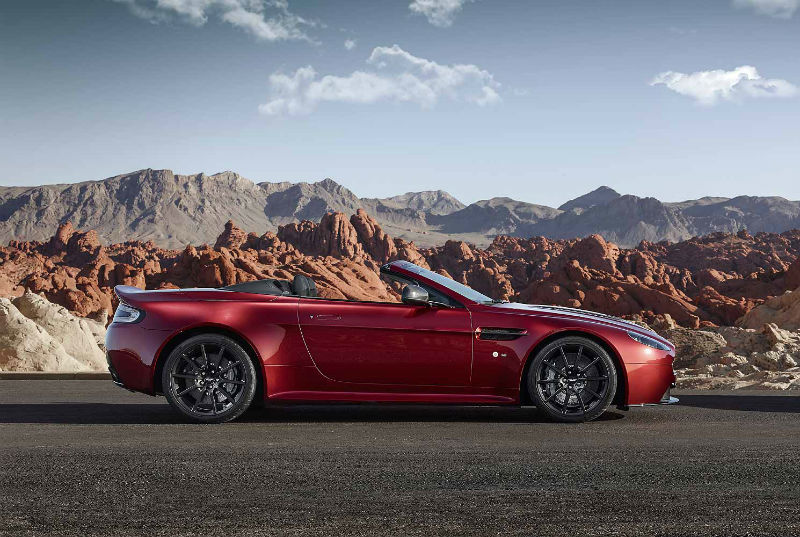 New Aston Martin V12 Vantage Roadster