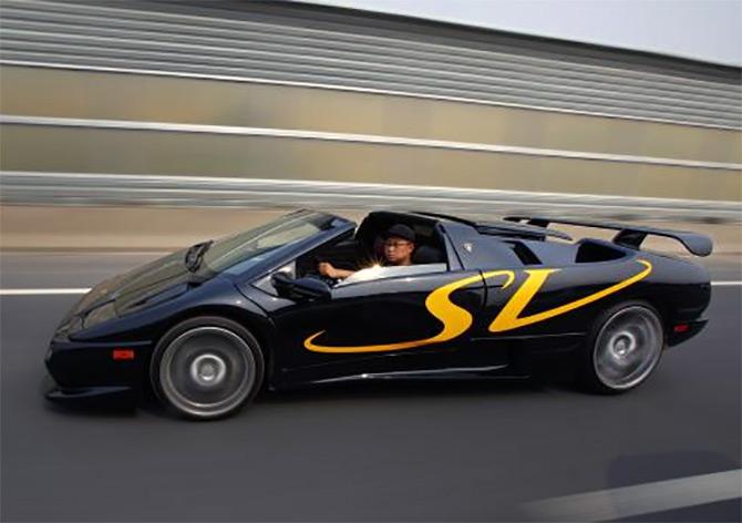 Handmade Chinese Replica Of Lamborghini Diablo Clocks 310kmph