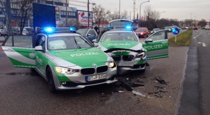 BMW 3-Series Touring And 5-Series Touring German Police Cars Crashed Into One Another