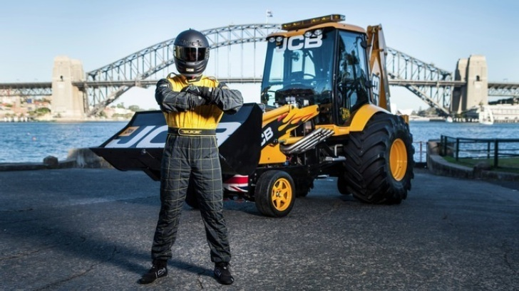 JCB GT Is The Fastest Digger In The World