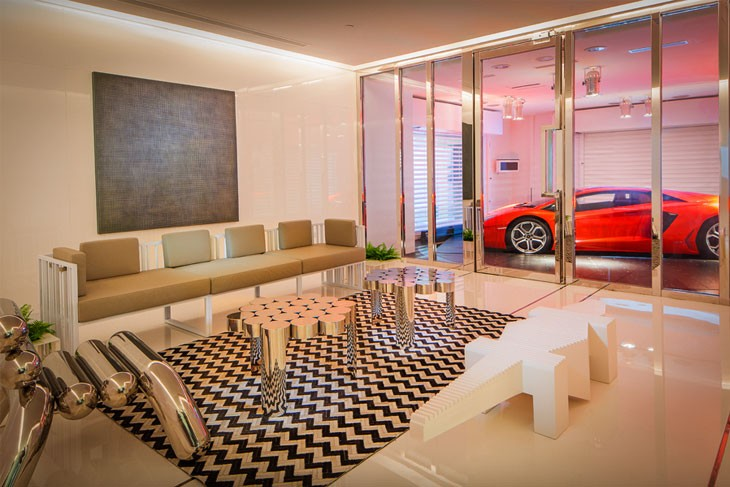 Luxury Apartment With Car Parking Inside The Living Room In Singapore: Watch Video