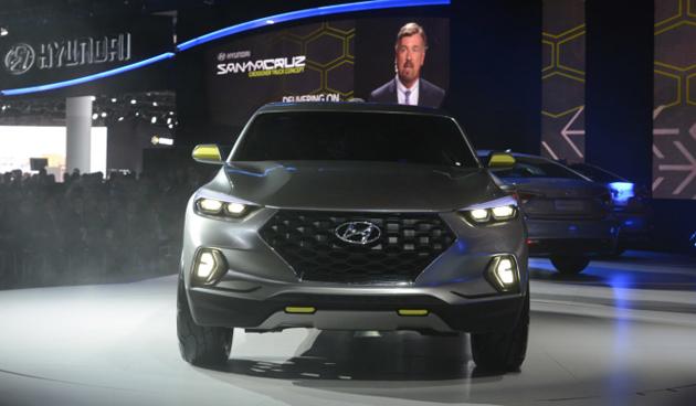 Hyundai Unveils Santa Cruz Crossover Pickup Concept