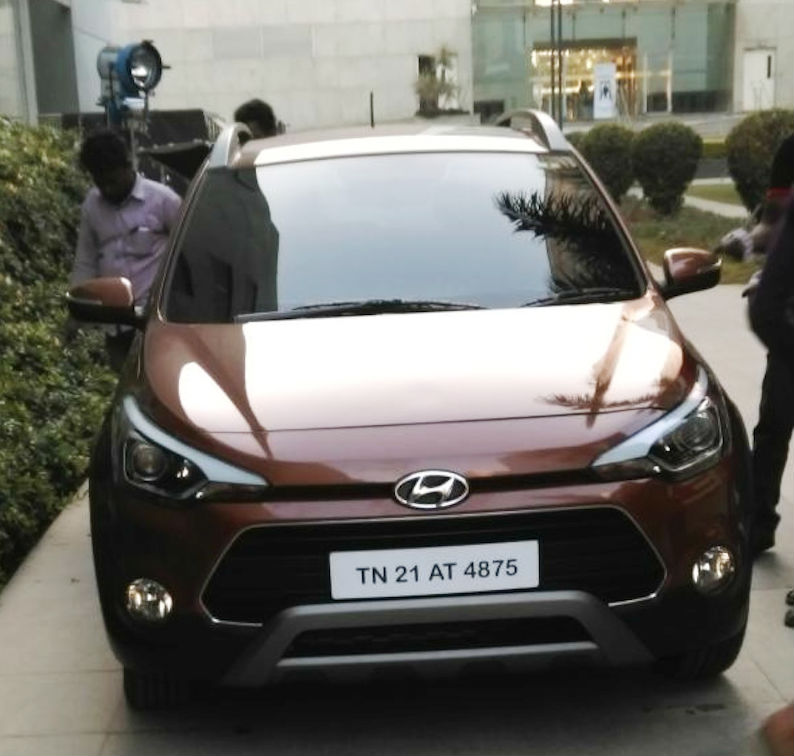Hyundai i20 Active (Cross) Spied In Clear Photos