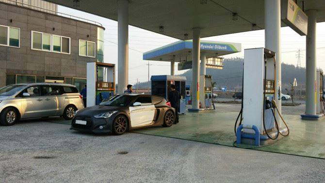 Mid-Engined Hyundai Veloster Spotted Testing