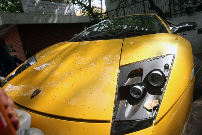 Lamborghini Murcielago Crashed In Delhi