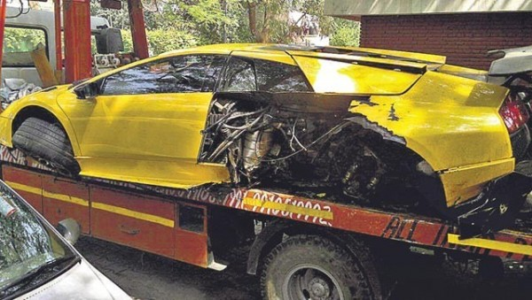Lamborghini Murcielago Crashed In Delhi; Driver Fled The Scene