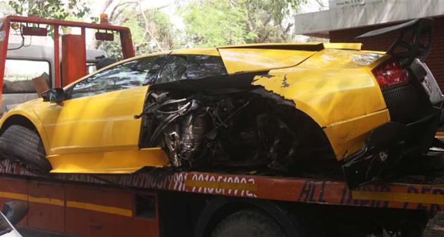 Lamborghini Murcielago Crashed In Delhi; Driver Fled The Scene
