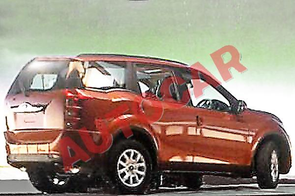 Mahindra XUV500 Facelift Spotted Clearly