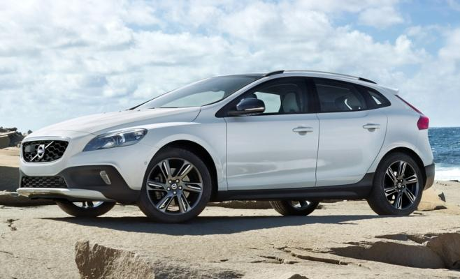Volvo V40 Cross Country Petrol Launched