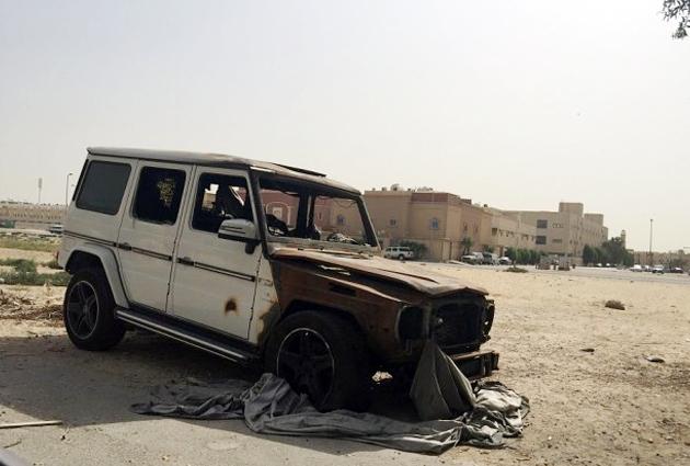 Mercedes G-Wagon Burst Into Flames In Dammam, Saudi Arabia