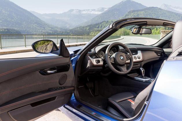 BMW Z4 Facelift In Estoril Blue