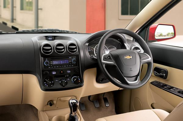 2015 Chevrolet Enjoy Launched At Rs 6.24 Lakh